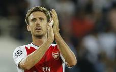 El Arsenal abre la puerta a Monreal en el cierre de mercado