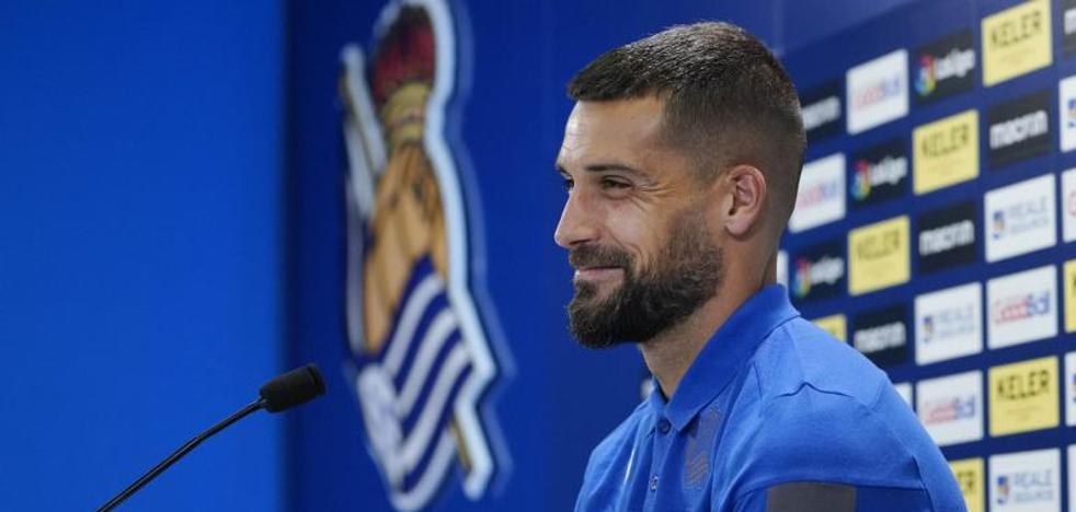 Moyá: «Me gustaría que la Real Sociedad ejerciese la opción unilateral que hay en el contrato para que siga un año más aquí»