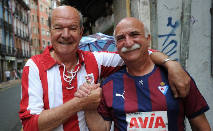 Buen ambiente en Eibar antes del derbi contra el Athletic
