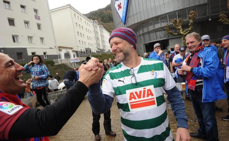El Eibar celebra la llegada de una nueva peña