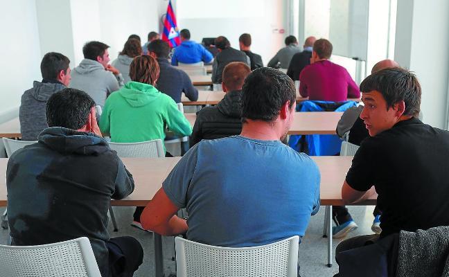 Jornada de la Escuela de Negocios de la Universidad de Navarra en Ipurua