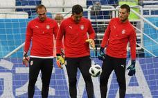 El Sevilla se fija en Dmitrovic y el Eibar escuchará ofertas