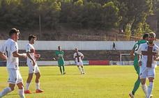 Dos errores defensivos llevan al Eibar a la derrota ante el Huesca