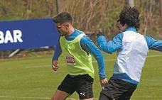 Sergio Álvarez, mentalizado para jugar de central en el S.D. Eibar