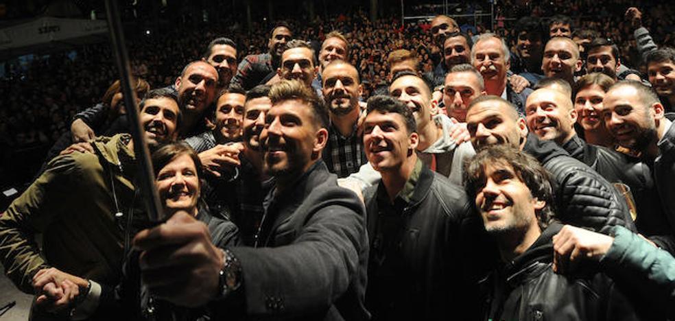 El Eibar repite la fórmula de celebrar su permanencia con una fiesta tras el último partido