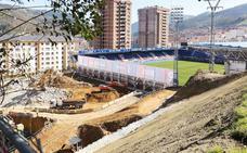 El Eibar inicia el proceso de reubicación de los abonados de la Tribuna Oeste