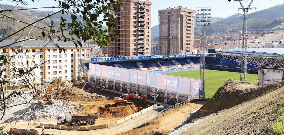 El Eibar inicia el proceso de reubicación de los inquilinos de la nueva tribuna