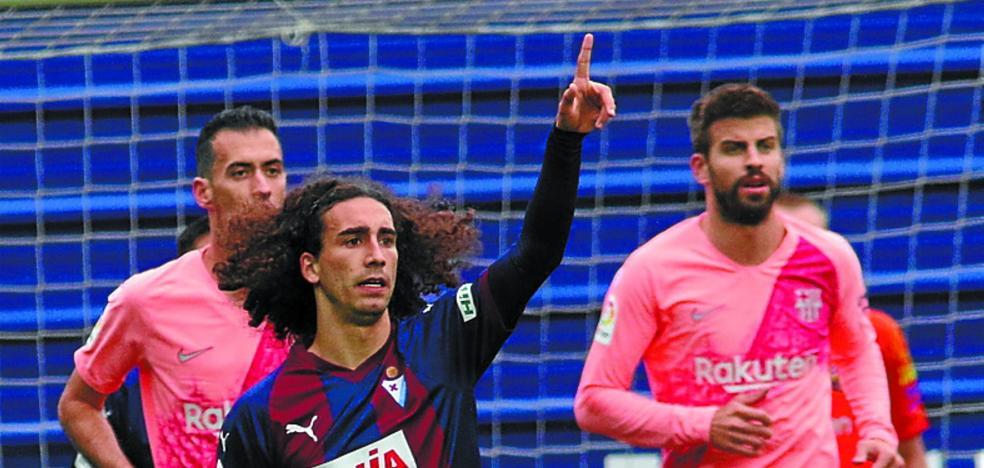 El Barça esperará a julio para recomprar al Eibar a Cucurella