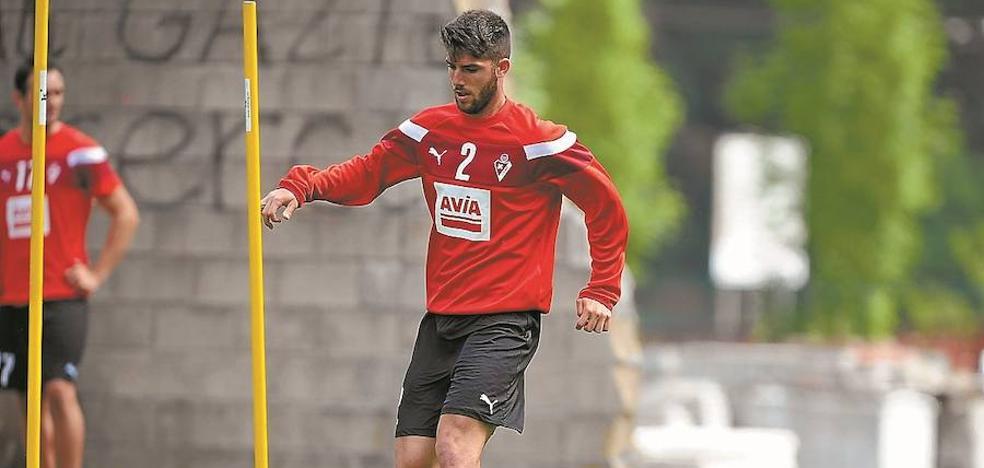 El Eibar se resiste a que Calavera se marche al Sporting de Gijón