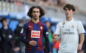 Cucurella dice adiós al Eibar por orden del Barcelona