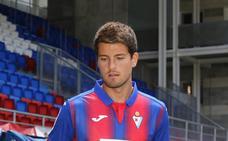 El Eibar cede al Albacete al centrocampista Roberto Olabe