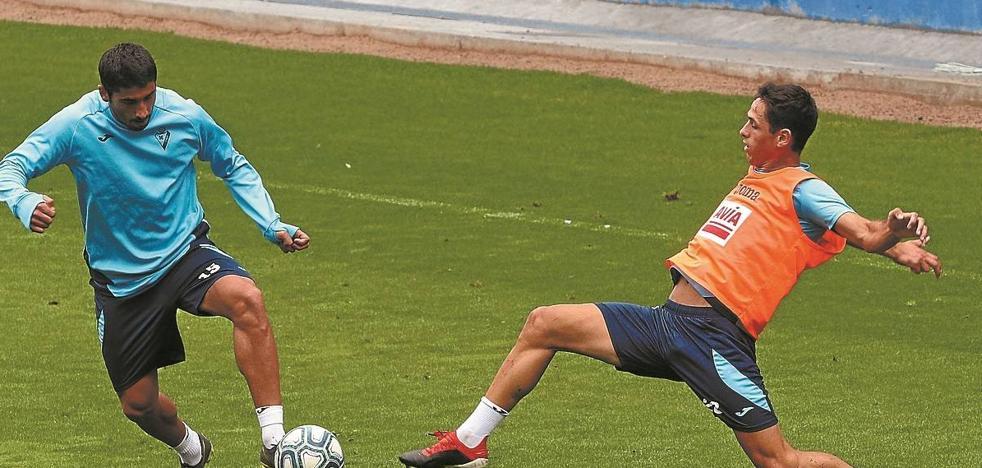Kike García y Asier Benito, con olfato de gol