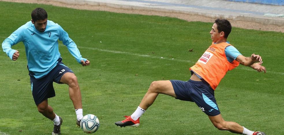 El Eibar cede al delantero centro Asier Benito a la Ponferradina
