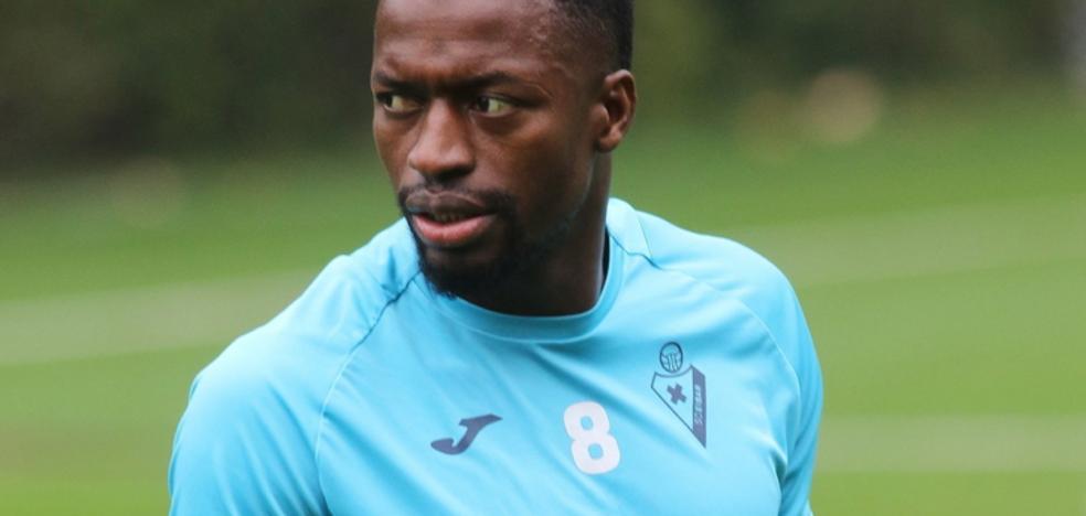 Diop, sin miedo al Barça: «Siempre salimos a ganar»