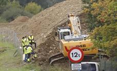 Rotura de una tubería de gas en las obras de la Ciudad Deportiva del Eibar en Areitio