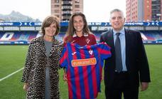 La S.D. Eibar y Euskaltel renuevan el patrocinio del primer equipo femenino
