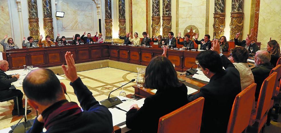El Pleno ratifica por unanimidad la elección de Rosa García como Tambor de Oro de este año