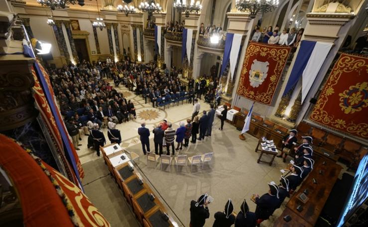 Homenaje y entrega de las Medallas al Mérito Ciudadano