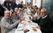 Gran ambiente en las cenas de la víspera de San Sebastián