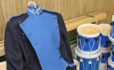 Los comercios de San Martín también exponen uniformes de la Tamborrada de San Sebastián