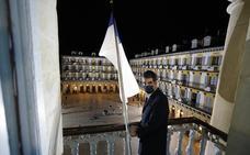 Una Izada insólita para el día de San Sebastián del Covid