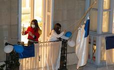 La marcha conquista los balcones