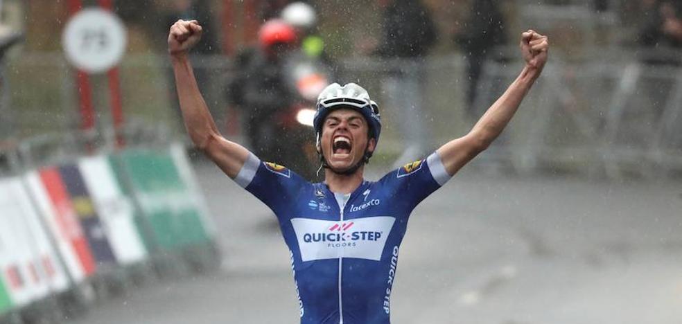 Enric Mas: «Desde pequeño soñaba con una victoria como esta de Arrate»