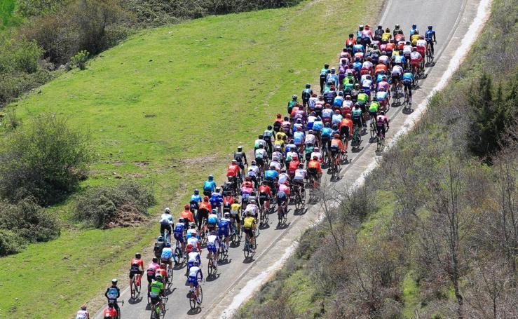Las imágenes de la tercera etapa de la Vuelta al País Vasco 2019