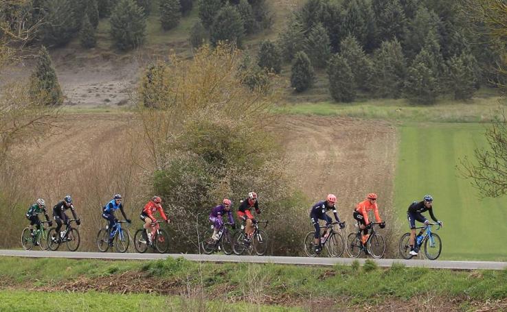 La cuarta etapa de la Vuelta al País Vasco, en imágenes