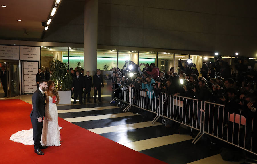 Exjugadores del Barcelona inauguran la alfombra roja de la boda de Messi