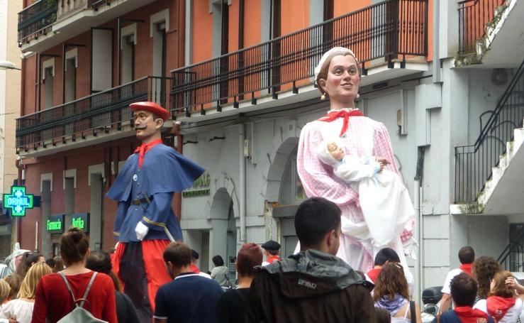 Los sanfermines de Antxo celebran el Euskal Eguna