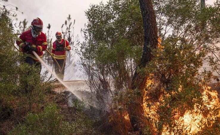 Fuerte incendio en Portugal
