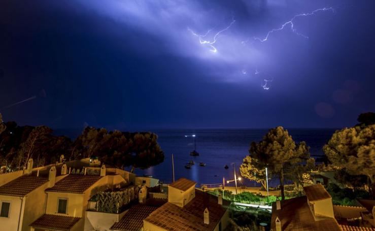 Rayos nocturnos en Mallorca