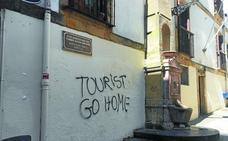 Las instituciones de Gipuzkoa confían en que no haya una campaña contra el turismo