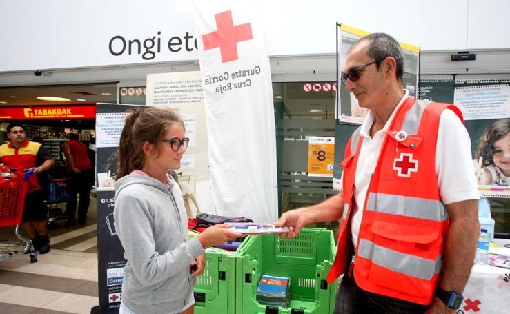 Carrefour acoge la 'Vuelta al cole solidaria'