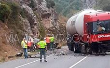 Dos mujeres y tres niños mueren al colisionar un turismo y un camión en Burgos