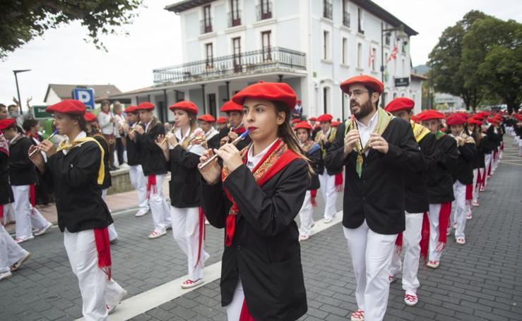 Desfile de la compañía Jaizkibel