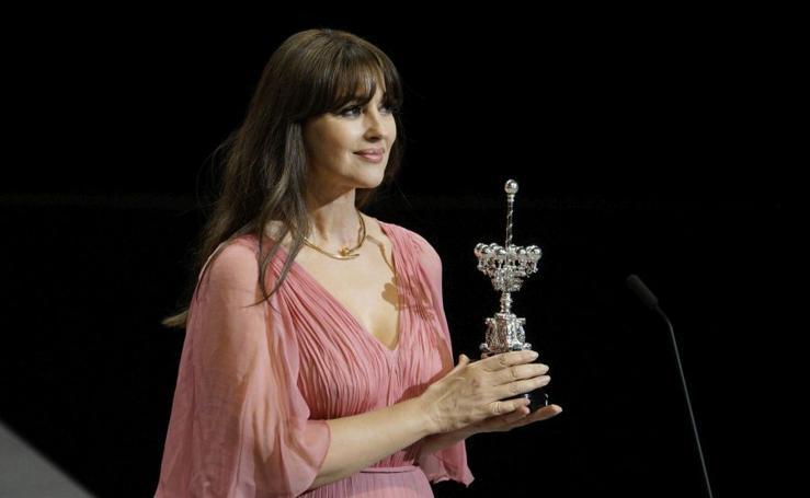 Monica Bellucci recibe el Premio Donostia