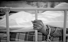 Las residencias de personas mayores deberán evitar al máximo las sujeciones físicas y farmacológicas