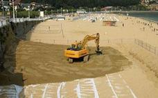 Licitada la aportación de 4.350 metros cúbicos de arena en la playa de Ondarreta