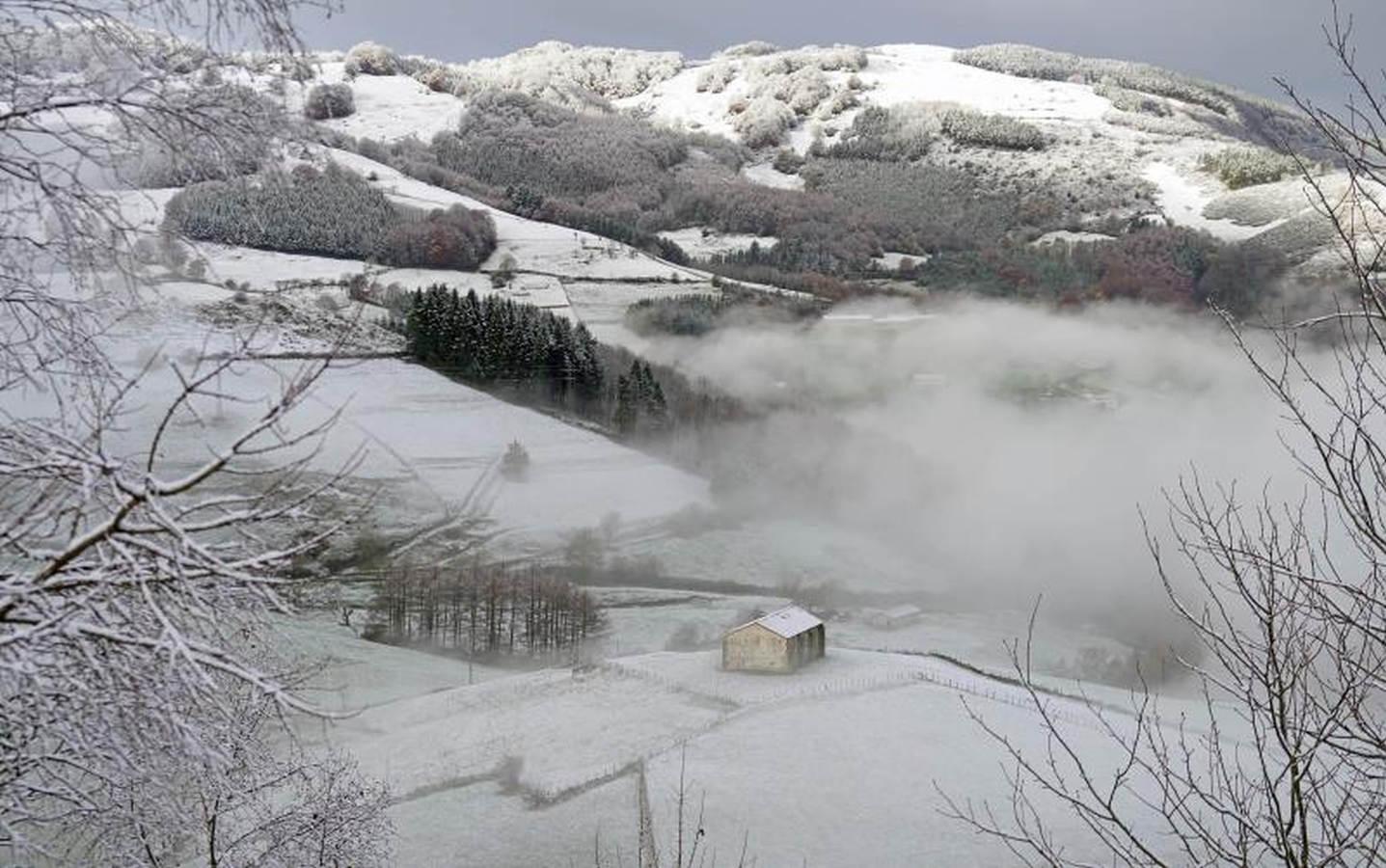 Las cimas de Gipuzkoa se tiñen de blanco