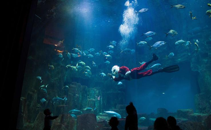Papá Noel submarino en París