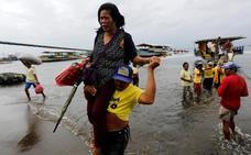 Cuatro muertos en Filipinas al volcar un barco con 251 personas a bordo