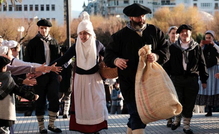 Olentzero trae la ilusión a Donostia