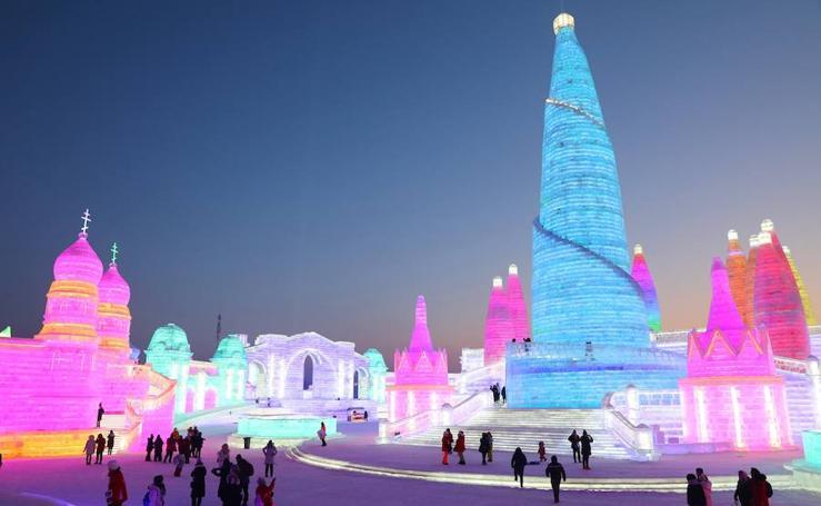 Harbin, un espectáculo de luz y color en hielo y nieve