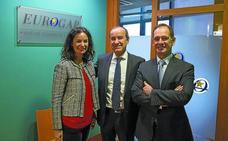 Enrique y Aitziber Larumbe y Jesús Alaba: «La clave para las empresas es generar negocio con un buen marketing»