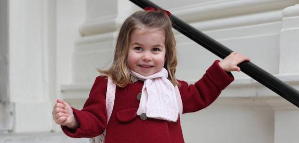 El abrigo 'donostiarra' de la princesa Charlotte