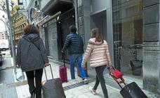 El «alto volumen» de alegaciones retrasa la aprobación de la ordenanza de pisos turísticos