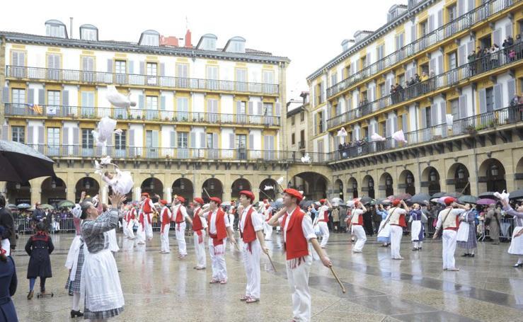 Desfiles de iñudes y artzainas en Donostia
