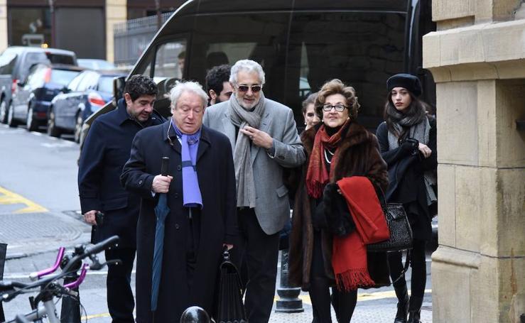 Plácido Domingo recuerda a su madre en Donostia